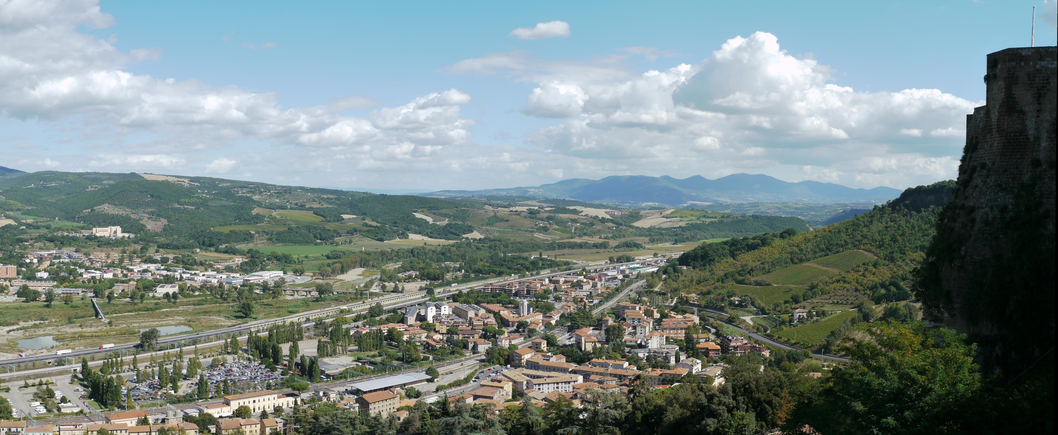 A view over 'new' Orvieto, from hilltop Orvieto, which sits on top of a large volcanic plug
